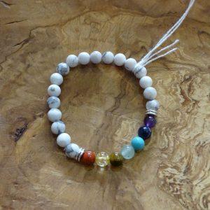Bracelet Howlite chakras. Herboristerie des mille feuilles